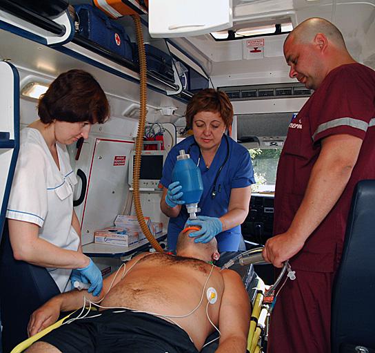 Скорую медицинскую помощь может получить каждый независимо от гражданства, прописки, ведомственной принадлежности, наличия полиса ОМС